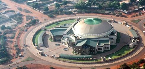 Vue aérienne de la Maison de la Culture Mgr Anselme Titianma SANON